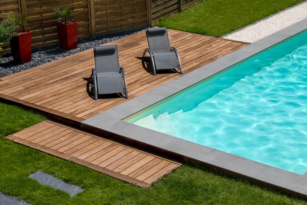 Quels sont les avantages du bois exotique pour une terrasse extérieure ?